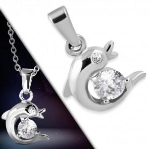 Ezüst színű, delfin alakú nemesacél medál, cirkónia kristállyal