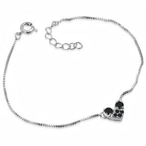 Ezüst színű karkötő, szív alakú dísszel, cirkónia kristállyal