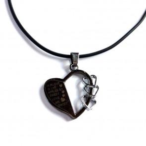Kaucsuk nyaklánc fém medállal szív