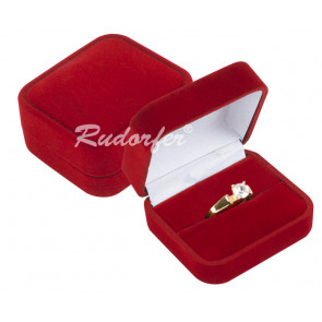 Piros színű ékszertartó doboz