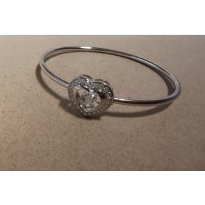 Ezüst merev karkötő táncoló szintetikus gyémánttal, szív formájú dísszel - 925 ezüst ékszer