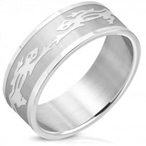 Ezüst színű, gyík mintás nemesacél gyűrű